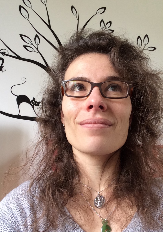 Ariane-Rivalland-yoga-Rochelle-enseignante