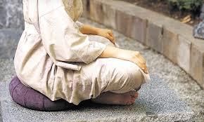 zafu-assise-meditation